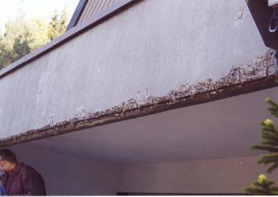 Betonsanierung - Typische Schäden am Beton - hier an einer Balkonbrüstung