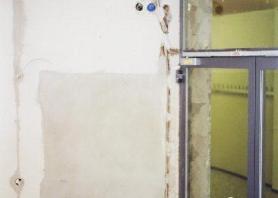 Innenausbau - Verputzen und zuspachteln von Elektroleitungen